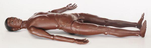 CLA Krankenpflegepuppe, in dunkler Hautfarbe